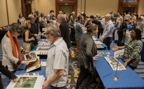 vendors-at-tables-550x367