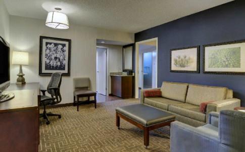 embassy-suites-3-550x367