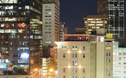 Glenn-Hotel-Night-Roof.jpg