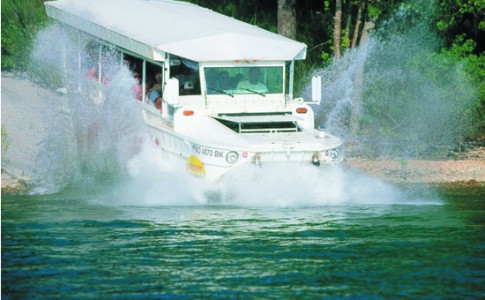 Ride the Ducks - Splashing into Lake small.png