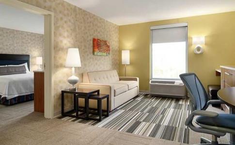 one bedroom suite acvb.jpg