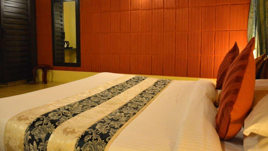Kadkani Riverside Resorts, Coorg Coorg Den Room Kadkani Riverside Resort Coorg 13