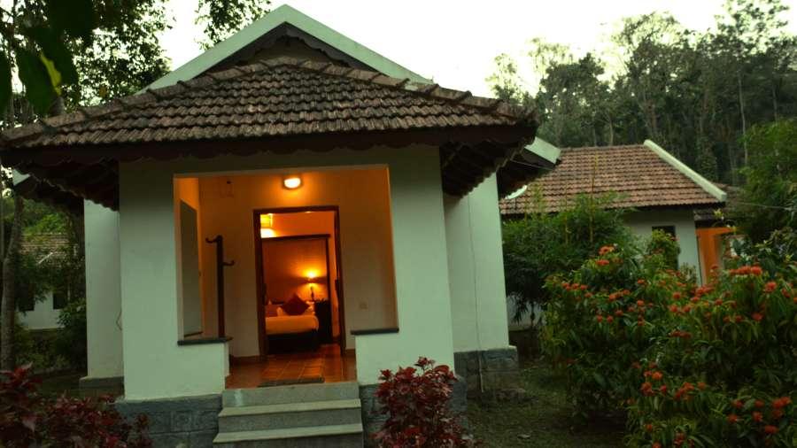 Kadkani Riverside Resorts, Coorg Coorg Deluxe Rooms- Cottage Kadkani Riverside Resort Coorg 4