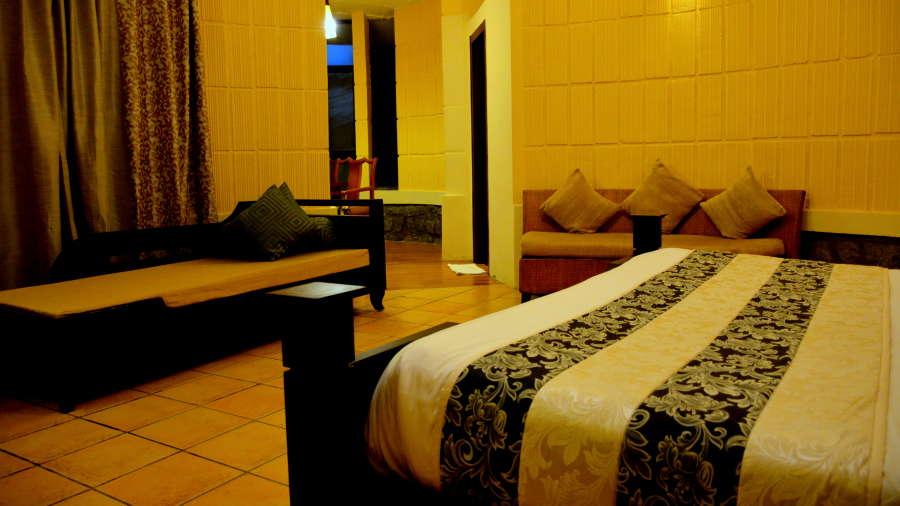 Kadkani Riverside Resorts, Coorg Coorg Den Room Kadkani Riverside Resort Coorg 8
