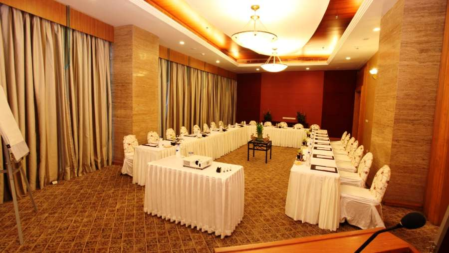The Orchid - Five Star Ecotel Hotel Mumbai Chancery 1 Boardroom Orchid Mumbai Hotel