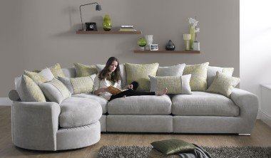 A fabulous chic sofa that just shouts relaxing and ultimate style the Milanese is here. This is a sofa that you can sink into and with an ultra mix of free of charge scatter and bolster cushions that come in a range of modern colours and the polished chrome tubular feet add a modern style.