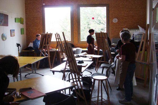 Photo d'un atelier de peinture au SOL