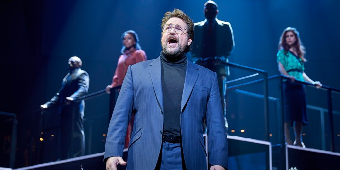 Michael Ball in Chess (Photo: Brinkhoff/Mogenburg)
