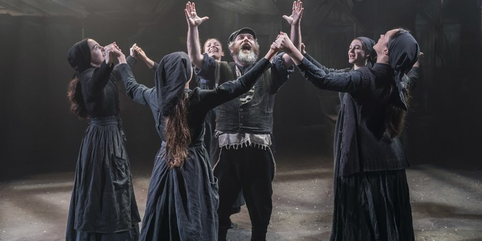 The cast of Fiddler On The Roof (photo credit: Johan Persson)