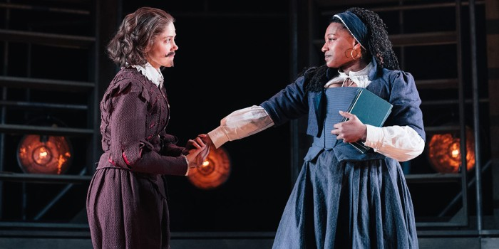 Charity Wakefield (William Shakespeare) and Clare Perkins (Emilia 3) in Emilia at the Vaudeville Theatre. Photo credit Helen Murray.