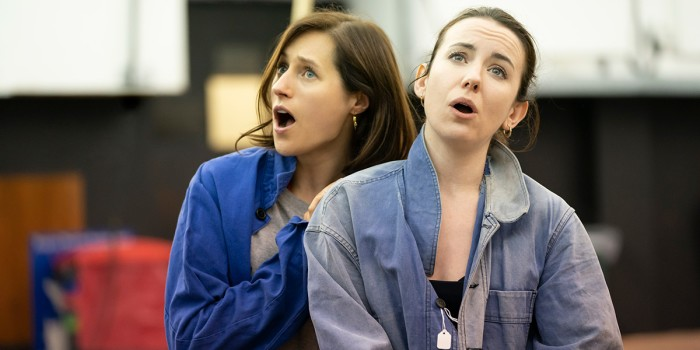 Rachel Kelly (Hansel) and Susanna Hurrell (Gretel) in rehearsals for Hansel and Gretel. Photo Johan Persson (2)