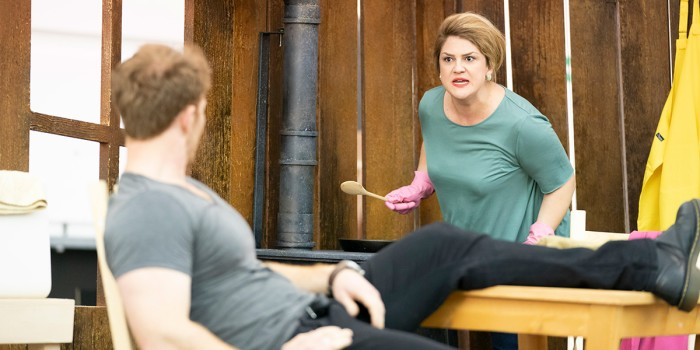 Rosie Aldridge (Mother) and Duncan Rock (Father) in rehearsals for Hansel and Gretel. Photo Johan Persson