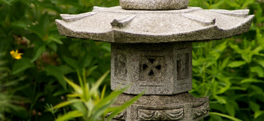 garden_temple_statue