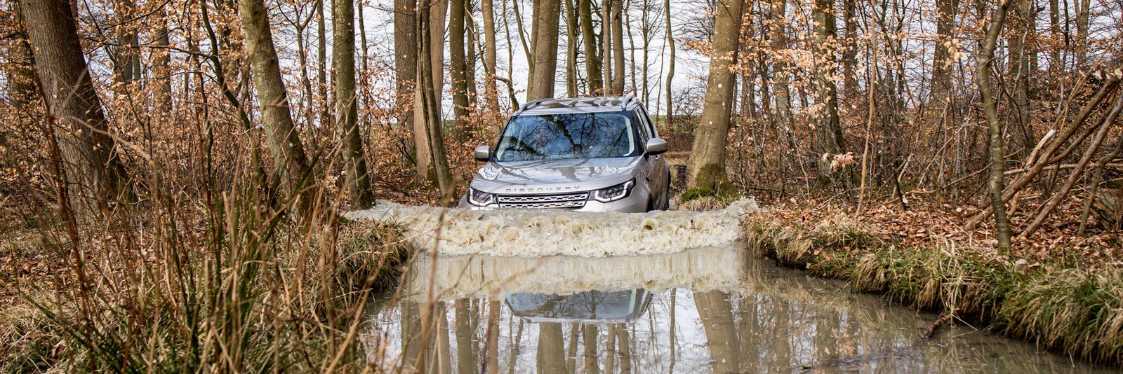 land rover discovery wading deep water