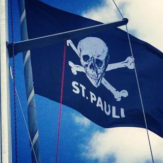Jolly Roger Hissfahne FC St. Pauli