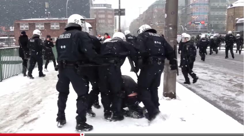 """Bürgerschaftswahl 2015: Parteien und Kandidaten in Hamburg-Mitte zum Thema """"Kennzeichnungspflicht für Polizisten"""""""