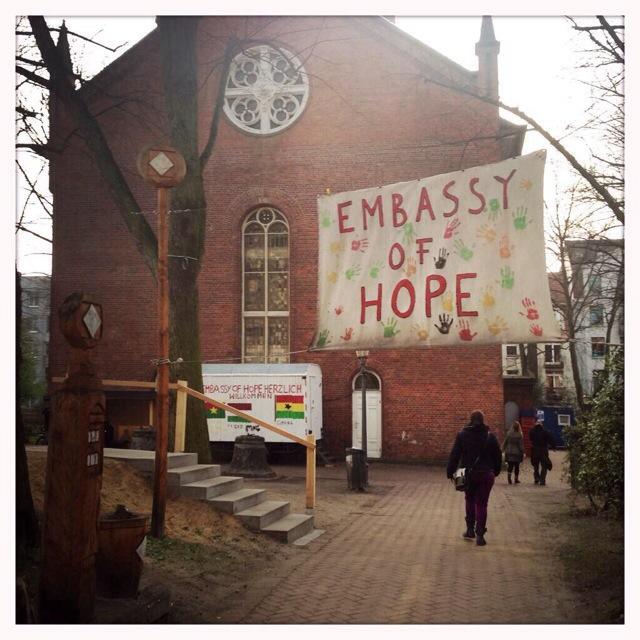 Wieder rassistische Kontrollen auf St. Pauli – Lampedusa in Hamburg weiter unter Druck von Schillz Polizei