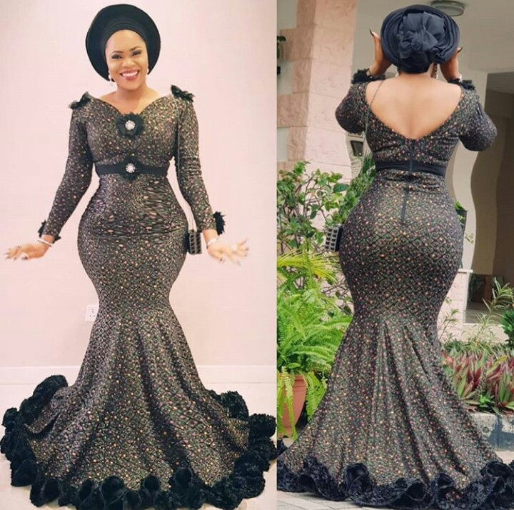 Check Out These Awesome Asoebi Styles From EE-JAY FASHION
