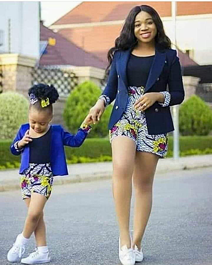 Best Ways To Twin With Your Baby Girl