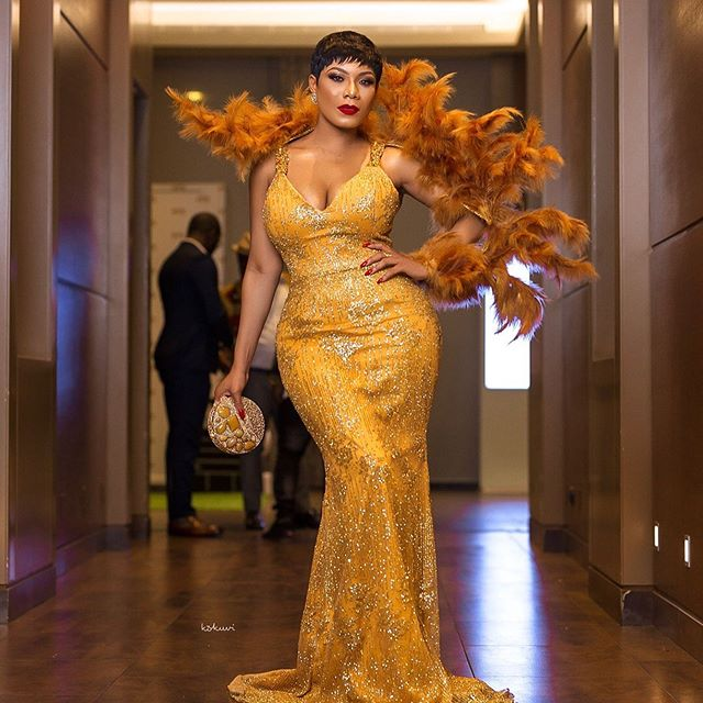 Ladies Fashion Update From Golden Movies Award 2019