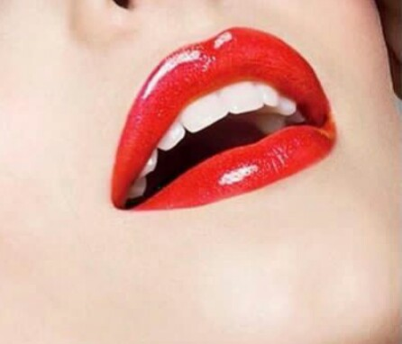 Read This Before You Apply That Red Lipstick