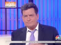 Charlie Sheen dnes v televizi přiznal, že je HIV pozitivní