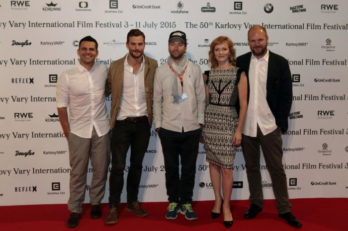 Jamie Dornan a spol. představili film o atentátu na Heydricha