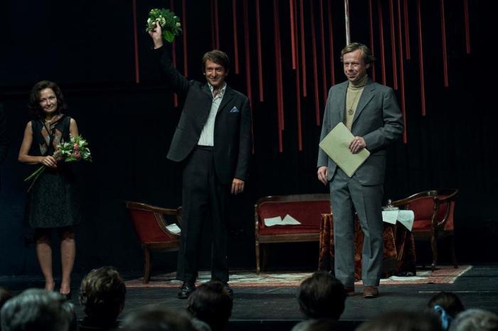 """Bohémové, disidenti, boj za správnou věc i humor: Začalo natáčení filmu s pracovním názvem """"Havel"""""""