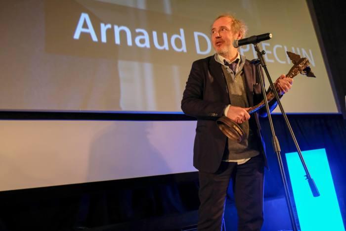 FEBIOFEST Režisér Arnaud Desplechin převzal z rukou ředitele festivalu cenu Kristián
