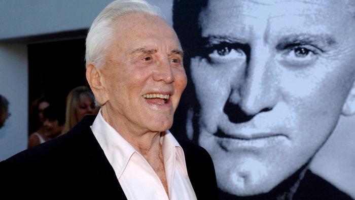 Ve věku 103 let zemřel herec Kirk Douglas
