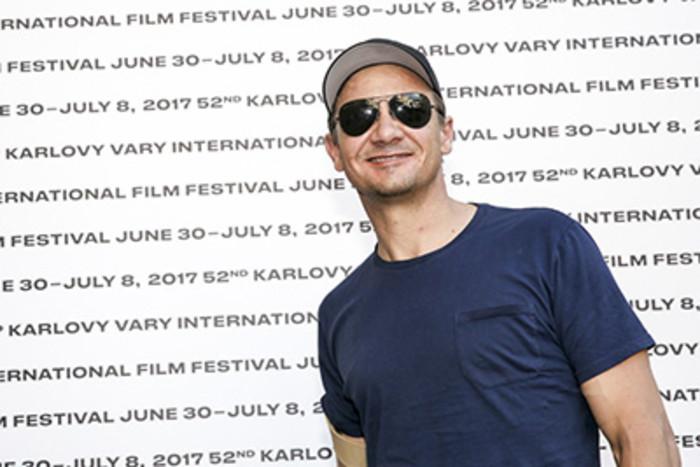 Do Varů přijel americký herec Jeremy Renner