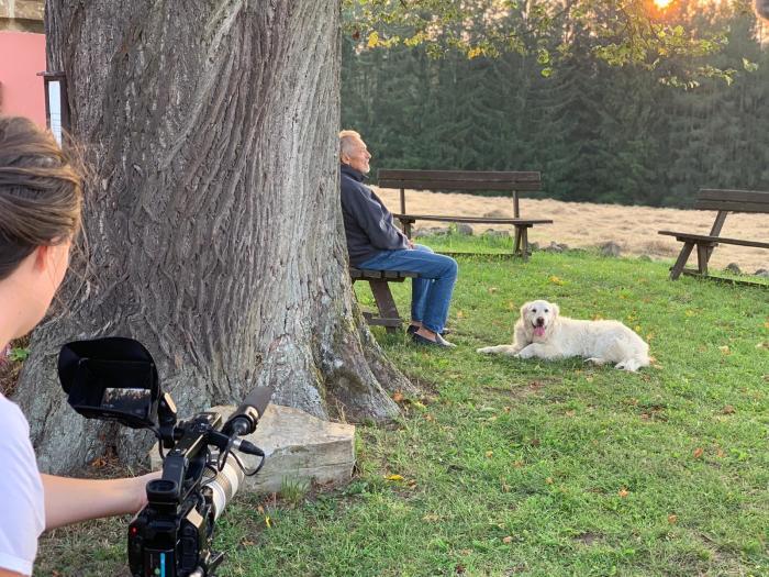 Neobvykle otevřený a unikátní obraz Karla Gotta v celovečerním dokumentárním filmu Olgy Špátové.  Film vstoupí do kin na jaře 2020.