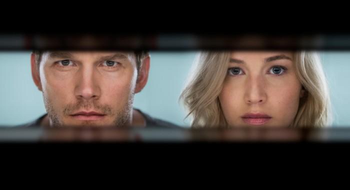 Jennifer Lawrence a Chris Pratt se představují v novém dobrodružném sci-fi filmu Pasažéři