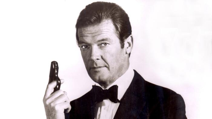 Zemřel britský herec Roger Moore
