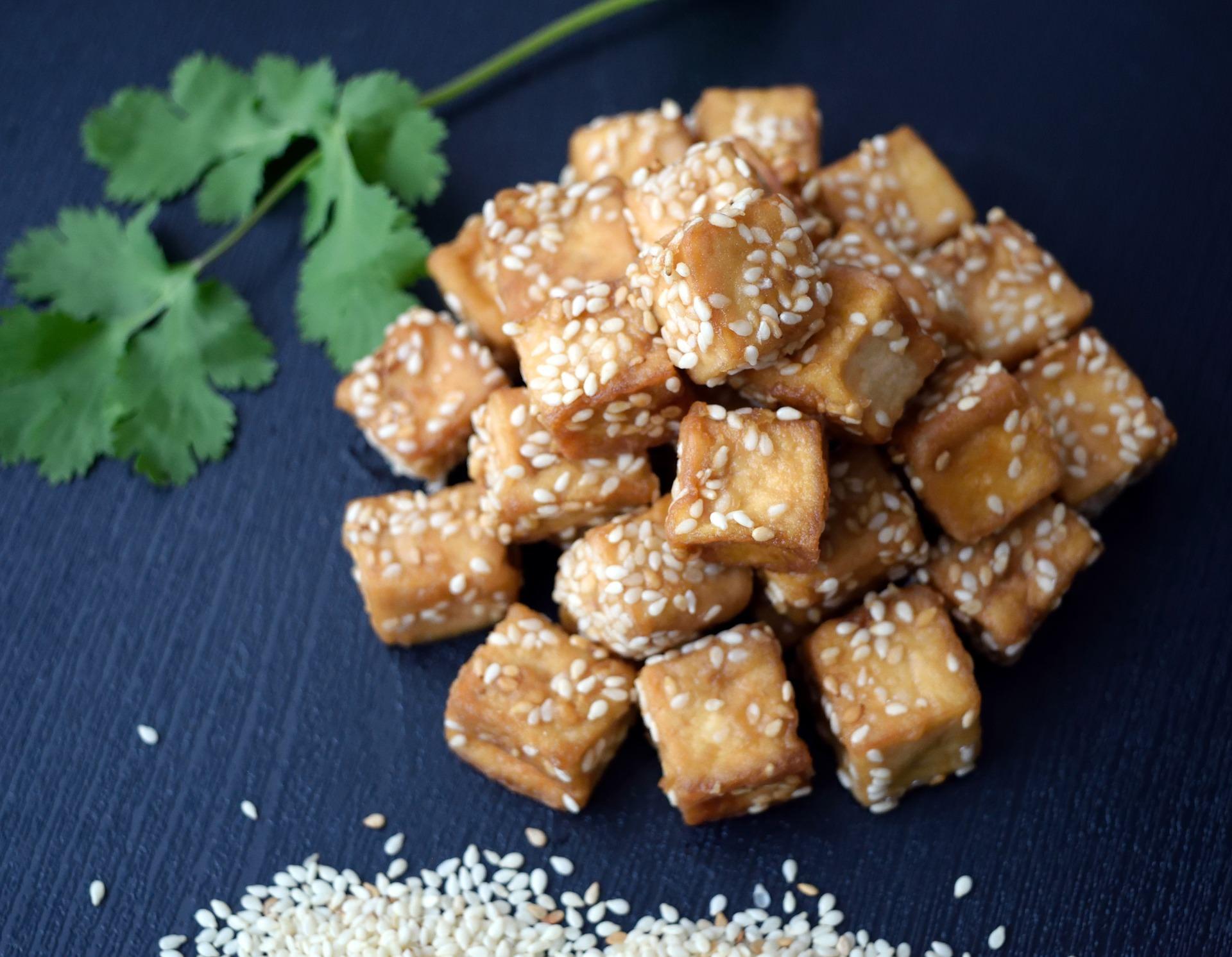 Tofu mit Sesam und Koriander