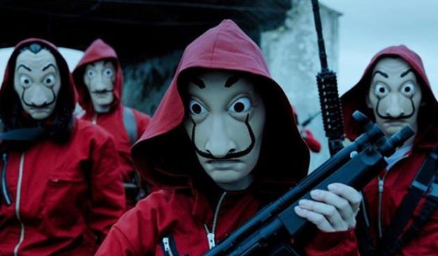 In La Casa de Papel, the bank robbers don Dalí masks.