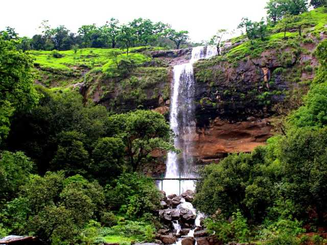 Randha Falls at travel d'globe