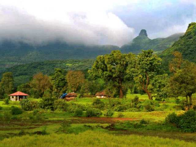 Ratanwadi Village at travel d'globe