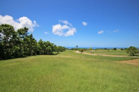View over the golf course onto the sea