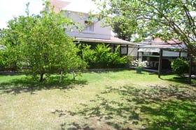 LARGE BACK GARDEN WITH FRUIT TREES