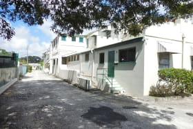 Balmoral Apartments - West Driveway