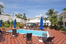 Pool / Restaurant area