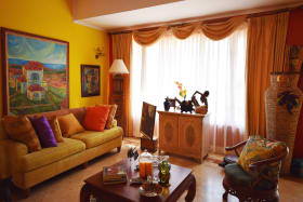 Formal living room - Upper