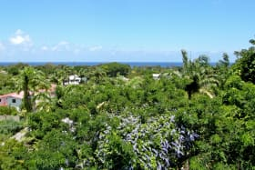 Stunning views of the Caribbean Sea to the west