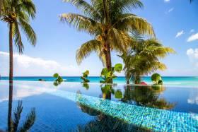 Infinity edge pool at Capri