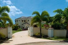Impressive double gated entrance driveway