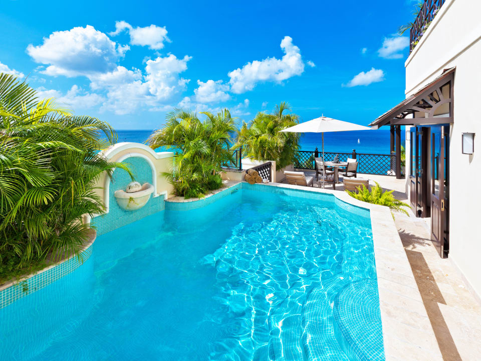 Swimming pool with magnificent sea views