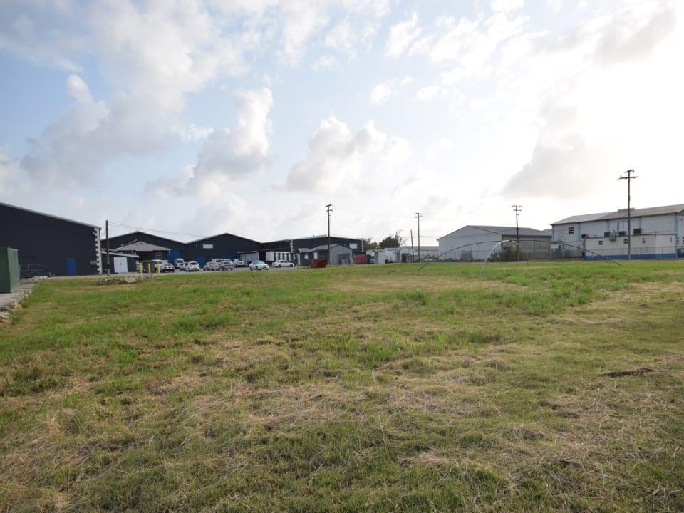 Level Lot - Established Commercial Area