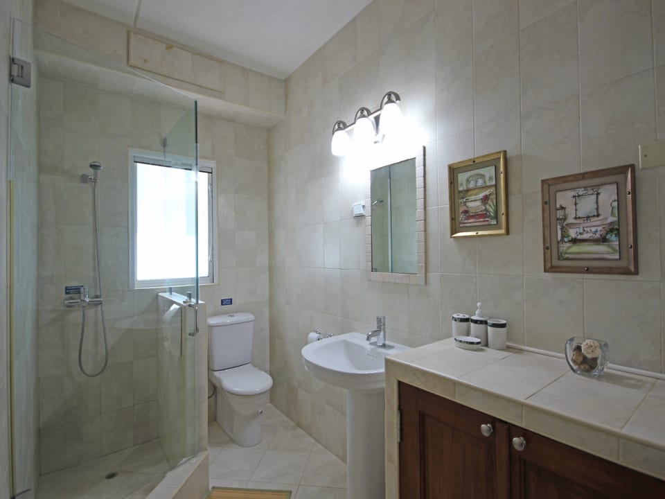 2nd shared bathroom