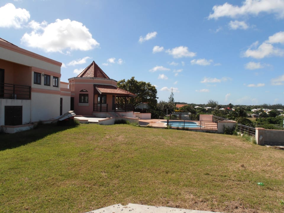 Large Front Lawn - Great Views of Barbados Countryside